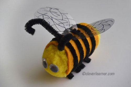 Easy to make bumble bee craft for Plastic bees for crafts
